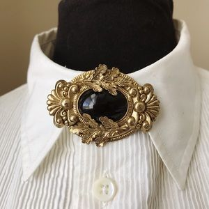 Vintage Black & Gold Tone Collar Brooch